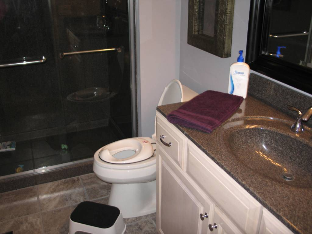 Bathroom remodeling gallery for Bathroom remodel 85382