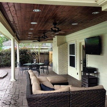 St. Louis outdoor patio room