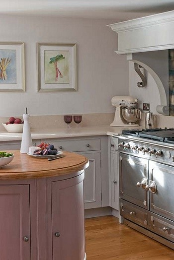 Space Saving Tips For a Small Kitchen