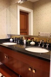 st louis bathroom cabinets